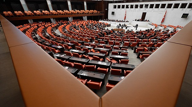 Milletvekillerine soruşturmaya düzenleme
