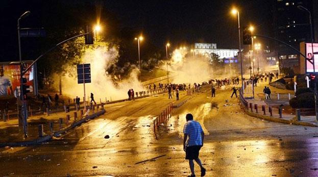 Gezi eylemlerine katılanlara kıdem cezası!