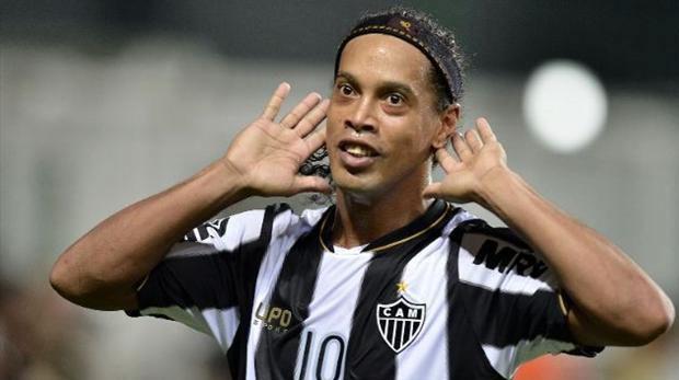 Ronaldinho'nun transferine onay çıktı!