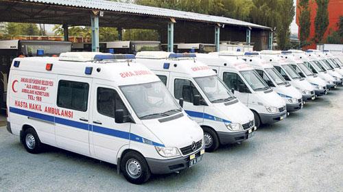 Kamyon, Ambulansın Önünü Kesti