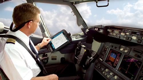 İsveçli Pilot Havada Uyudu