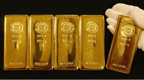 Bilim adamları bakteriden som altın üretti