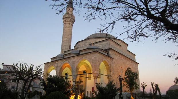 Bursa uslübuyla yapılan Firuz Ağa camii