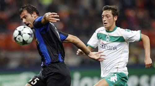Mesut Özil Almanya'yı seçti