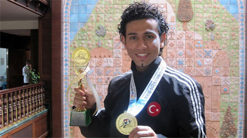 Karate Kid'e Heveslendi, Dünya Şampiyonu Oldu