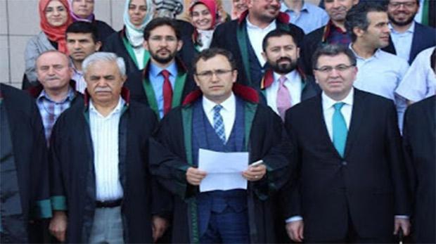 Hukukçular Derneği'nden Mursi'ye destek