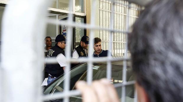 22 polis adliyeye sevk edildi