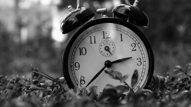 Bu gece saatlerinizi ileri almayı unutmayın!