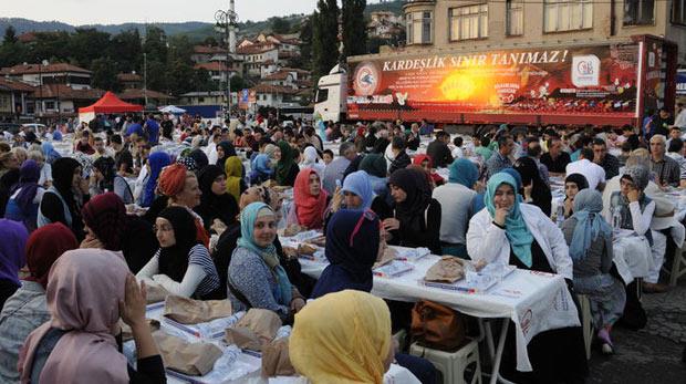'Bereket Konvoyu' Saraybosna'da iftar verdi