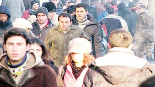 Türk gençler işsiz ama mutlu!