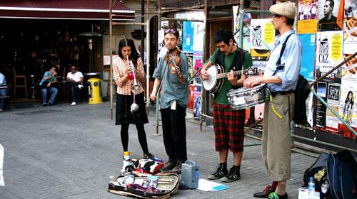Beyoğlu Sokak Müzisyenlerine de Yasak!