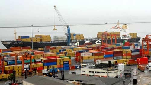 Şubat'ta ihracat ve ithalat azaldı