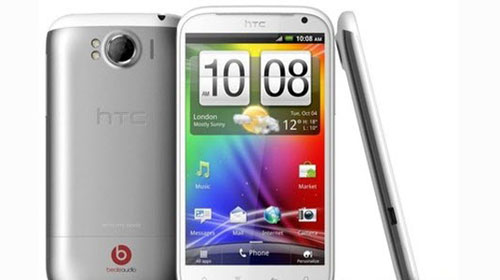 HTC'den Gerçekten Dev Bir Cep