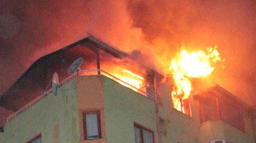 Fatih'teki Yangında 5 Kişi Hayatını Kaybetti