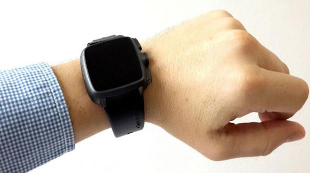 Telefon eden, kameralı akıllı saat üretiliyor