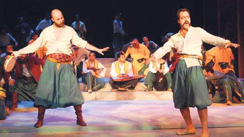 Tiyatroda Erdoğan Ailesine Ağır Hakaret