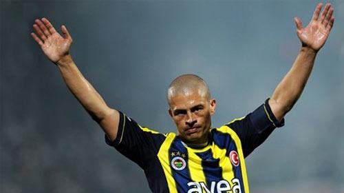 Fenerbahçe'den Alex'e ikinci jest!
