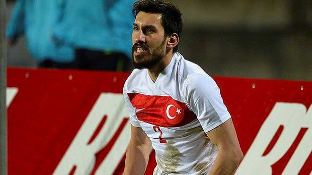 Şener Özbayraklı'dan Fenerbahçe'ye 4 yıllık imza
