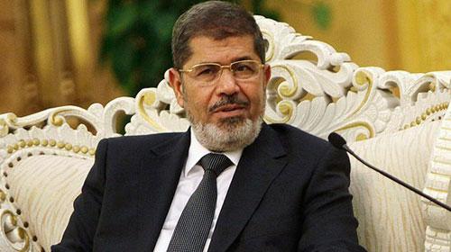 Mursi'nin gözaltı süresi uzatıldı
