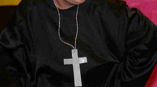 Kilisede 'Sağır Papaz' İzdihamı
