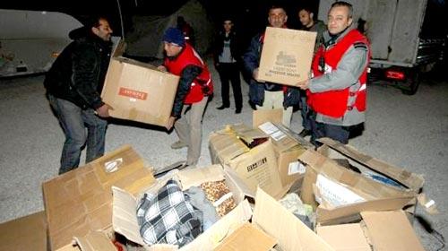 Depremzede Yardım Kolilerini İade Etti