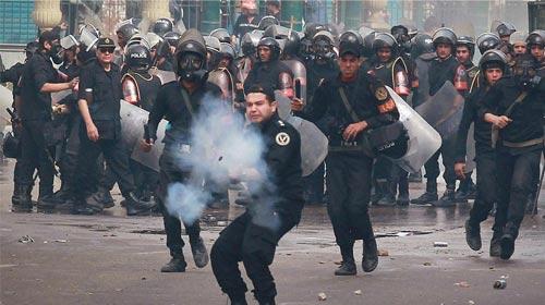 Mısır'da Ordu ve Muhalifler Karşı Karşıya