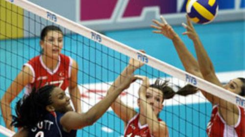 Voleybolcu Kızlarımız Yarı Finalde