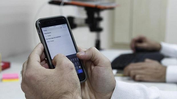 'Cep telefonları göze büyük zarar veriyor'