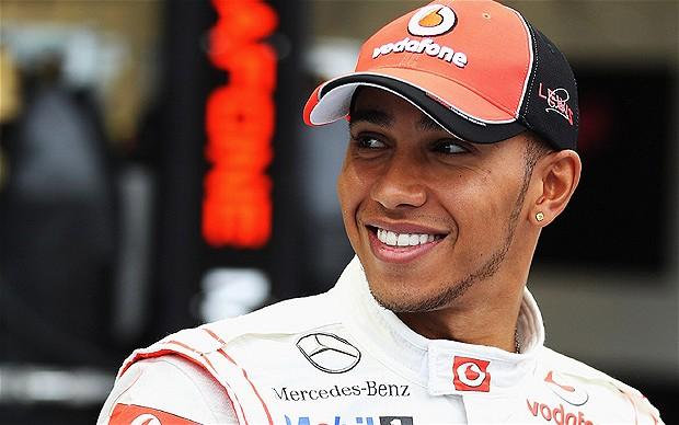 """Hamilton üst üste 3. kez """"pole"""" pozisyonunda"""