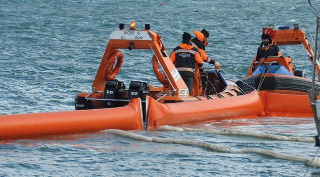 İzmir'de deniz kirliliğine sebep olan gemi tespit edildi