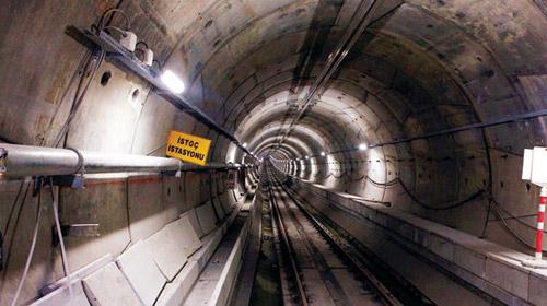 Başakşehir Metrosunun Açılışı 2013'e Kaldı