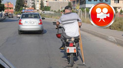 Koltuk Değneğiyle Motosiklet Sürdü
