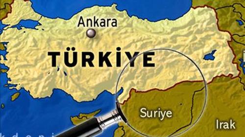 Suriyeli Askerler Türk bayrağını İndirdi