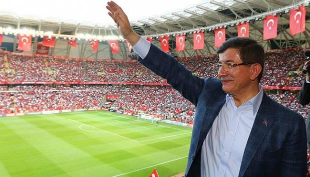 Davutoğlu ile Çipras maçı birlikte izleyecek