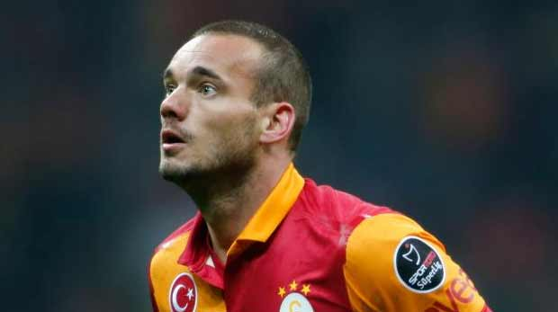 FIFA Sneijder'i manşet yaptı