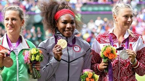 Williams, Sharapova'yı rekorla devirdi