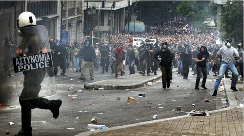 Yunanistan'da Sokakları İşsizler Dolduruyor