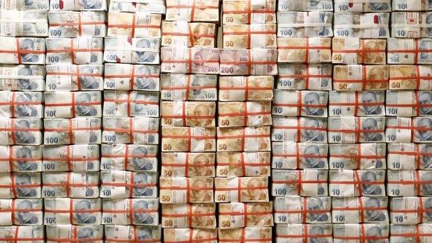 Milyoner sayısı yılın ilk yarısında 100 bine dayandı