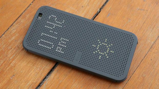 Plastik HTC One M8 geliyor