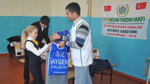 İHH Yetim Günleri Nedeniyle Kazakistan'daydı