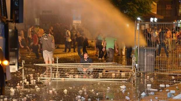 Gezi Parkı eylemlerinin güldüren tweetleri!