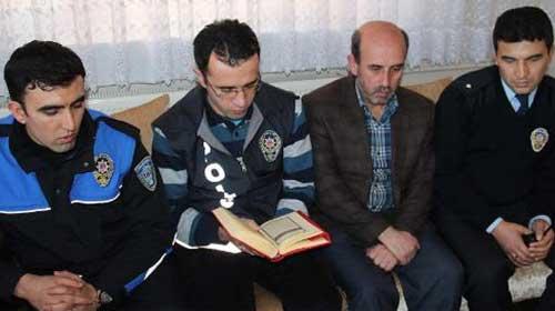 Polisten Kur'an-ı Kerim açılımı