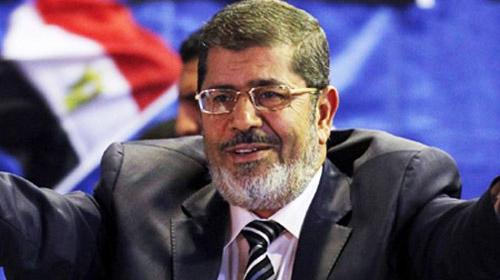 Mursi'den İran'a soğuk duş