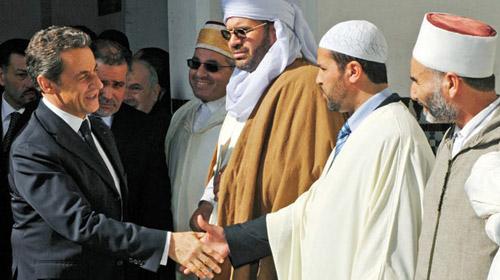 Sarkozy, Cami Ziyaretiyle Gönül Almaya Çalıştı
