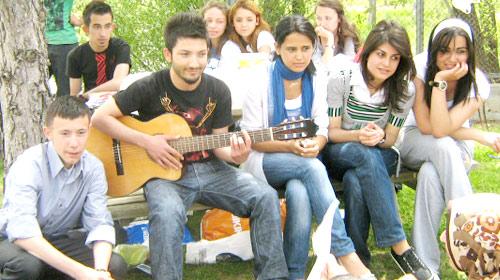 Gençler İsrail'i Dost Görmüyor