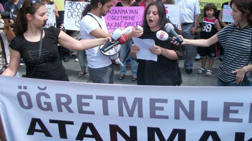 Atanamayan Öğretmenler Taksim'e Çıktı