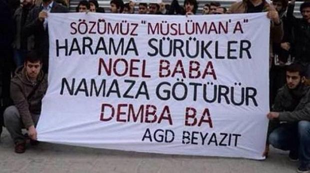 AGD'li gençlerden Beyazıt'ta yılbaşı protestosu