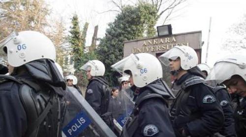 Ankara Üniversitesi Karıştı: 2 Yaralı