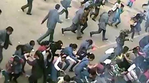 Terör Örgütü Yandaşları Okullara Saldırdı