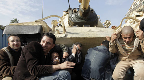 Mısır'da Askeri Darbe Uyarısı